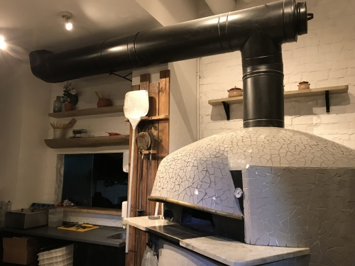,,Casa della Pasta'' dūmtraukio montavimas