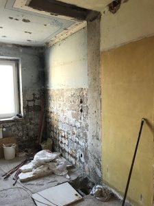 5 aukštų daugiabutyje 5 aukšte išgriauta bendra ventiliacijos šachta likusieji žemutinių aukštų gyventojai neturi vedinimo